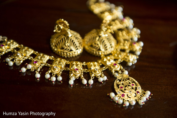 getting ready,bridal jewelry,gold bridal set,gold necklace,necklace,earrings