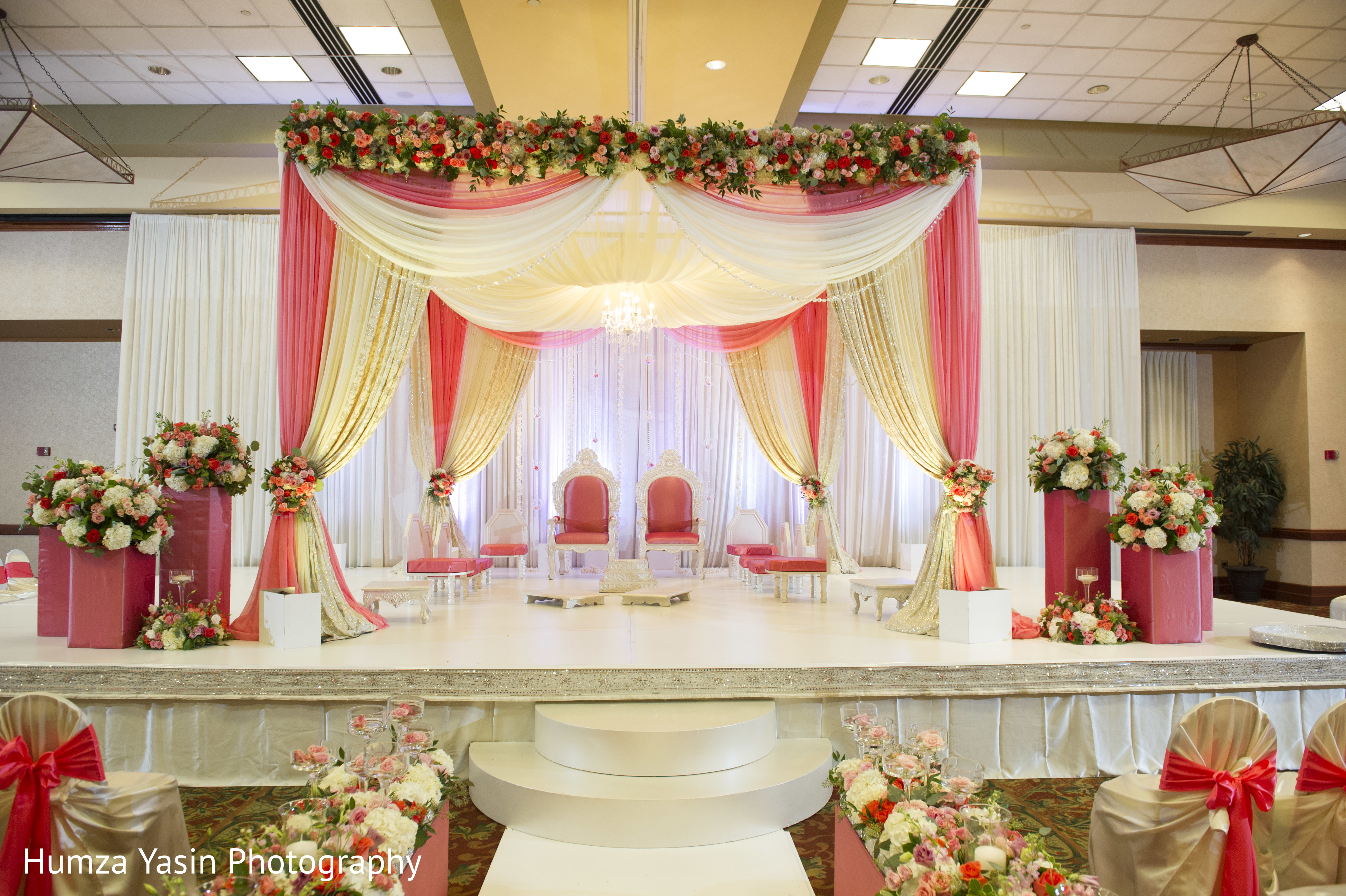 ceremony in grapevine tx gujarati wedding by humza yasin photography maharani weddings. Black Bedroom Furniture Sets. Home Design Ideas