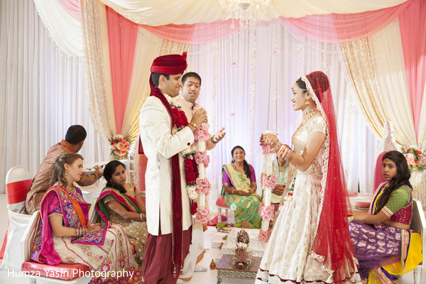 Ceremony in Grapevine, TX Gujarati Wedding by Humza Yasin Photography