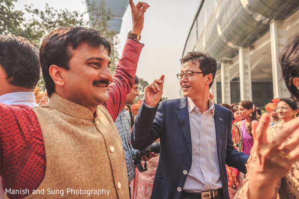 Baraat in Mumbai Indian Wedding by Manish and Sung Photography