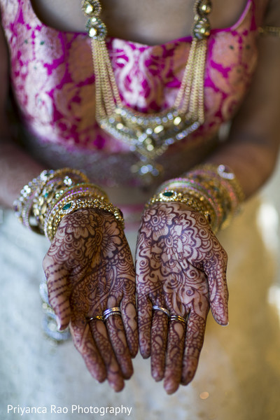 getting ready,bridal jewelry,mehndi