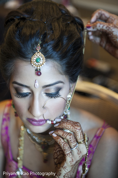getting ready,bridal jewelry,hair and makeup,tikka