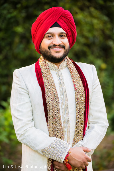outdoor,outdoor portraits,first look,first look portraits,groom fashion,sherwani,headpiece,turban