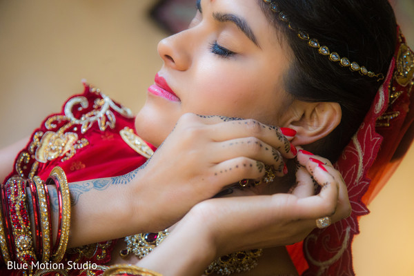 Getting Ready in Hilton Head Island, SC Indian Wedding by Afterglow Creative