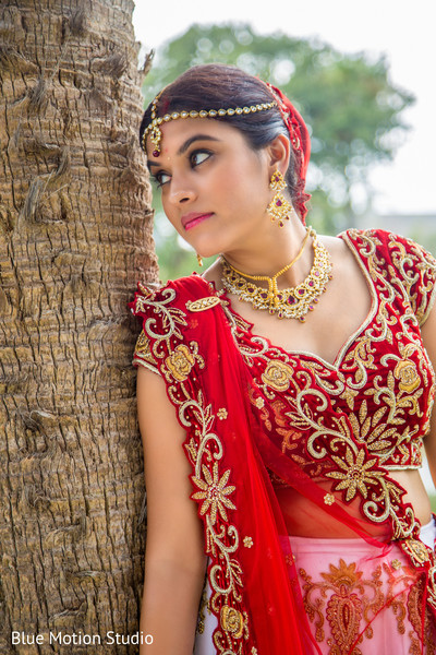 first look,first look portraits,outdoor portraits,portraits,bridal fashion,hair and makeup,bridal jewelry,gold bridal set,tikka,ruby