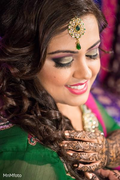 indian wedding mehndi,indian wedding mehndi party,indian wedding party portraits,indian wedding portraits,indian wedding portrait,portraits of indian wedding,indian bride and groom,indian wedding ideas,indian wedding photography,indian wedding photo,indian bride and groom photography,indian bride,indian bridal fashions,indian bride photography