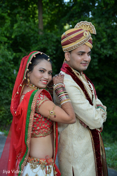 first look,first look portraits,bridal fashion,groom fashion,lengha,portraits