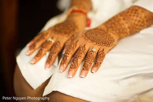 bride getting ready,indian bride getting ready,getting ready images,getting ready photography,getting ready,bridal mehndi,bridal henna,henna,mehndi,mehndi for indian bride,henna for indian bride,mehndi artist,henna artist,mehndi designs,henna designs,mehndi design