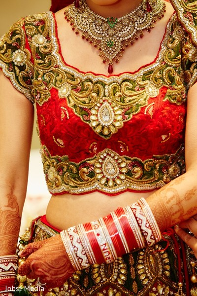 indian bride getting ready,indian bridal jewelry,indian weddings,indian wedding bangles,indian wedding mehndi,indian wedding necklace