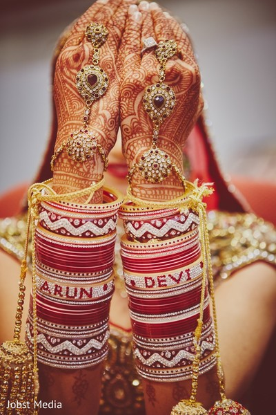 indian bride getting ready,indian bridal jewelry,indian wedding bangles,indian wedding mehndi