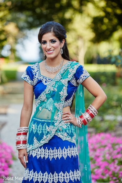 reception portraits,portraits,outdoor portraits,outdoor,lengha
