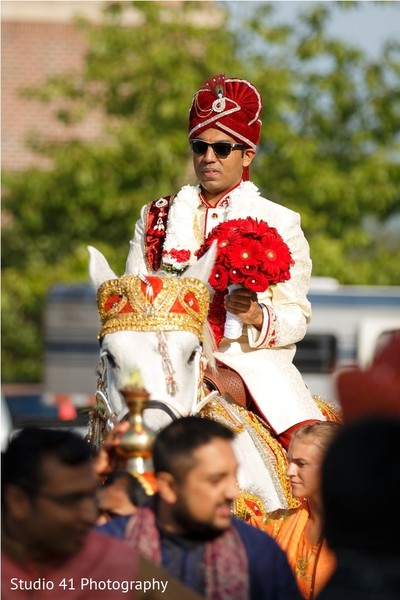 indian wedding baraat,indian groom fashion