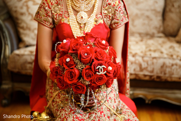 getting ready,bridal bouquet