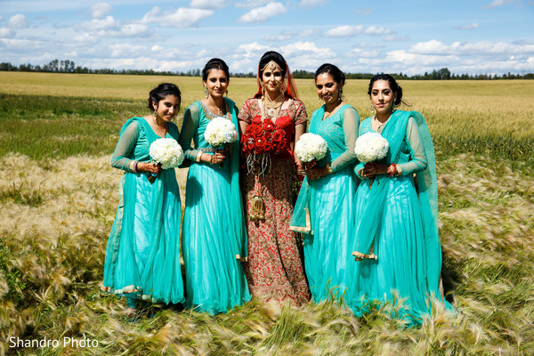 portraits,first look,first look portraits,outdoor,outdoor portraits,bridal fashion,lengha,bridesmaids,bridal party,anarkalis,bridal bouquet,flowers,bouquets