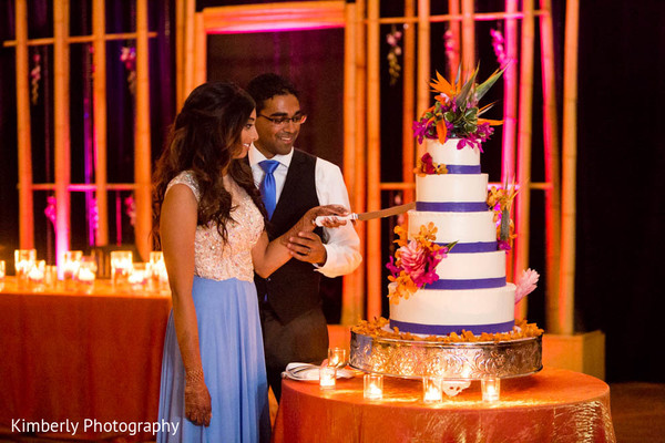 indian wedding reception,reception,reception fashion,cake,wedding cake,cake cutting