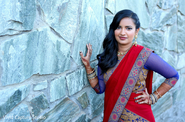 pre-wedding portraits,pre-wedding fashion,sangeet portraits,mehndi,sari