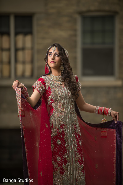 first look,first look portraits,portraits,lengha