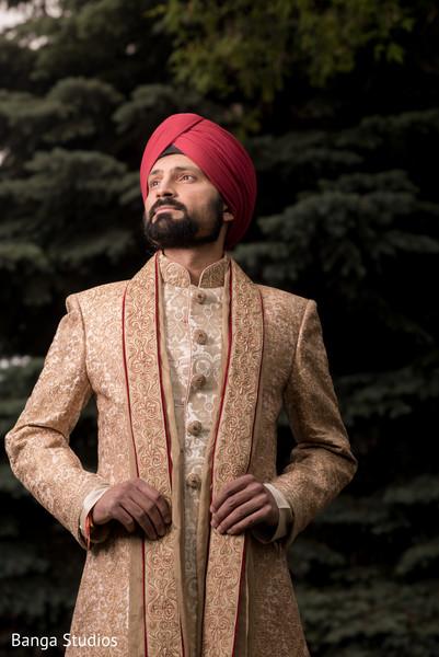 first look,first look portraits,portraits,groom fashion,sherwani,turban