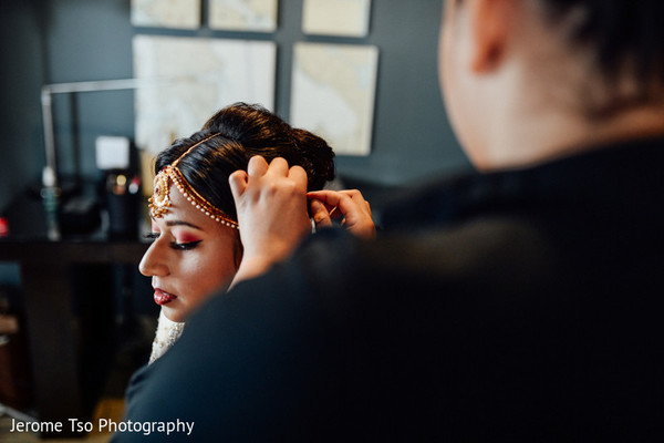 Getting Ready in Seattle, WA South Asian Wedding by Jerome Tso Photography