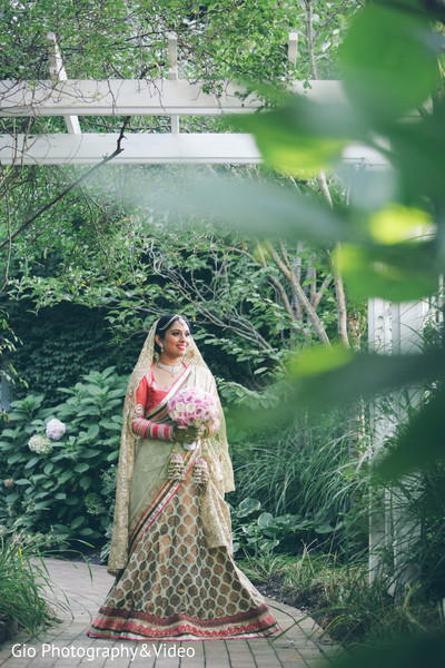 first look,first look portraits,portraits,outdoor portraits,bridal fashion,sari