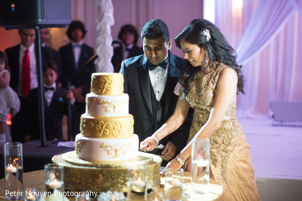 reception,indian wedding reception,reception fashion,cake,cake cutting