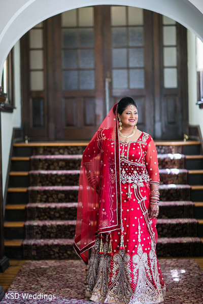indian bridal fashions,indian wedding lengha,indian wedding portraits