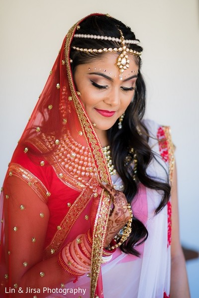portraits of indian wedding,indian bride,indian bridal fashions,indian bride photography,indian wedding photo,indian bride makeup,indian wedding makeup,indian bridal hair and makeup