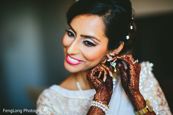 bride getting ready,indian bride getting ready,getting ready images,getting ready photography,getting ready