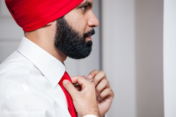 Groom Getting Ready in Toronto, Canada Sikh Indian Wedding by Channa Photography