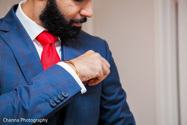 Groom Portrait in Toronto, Canada Sikh Indian Wedding by Channa Photography