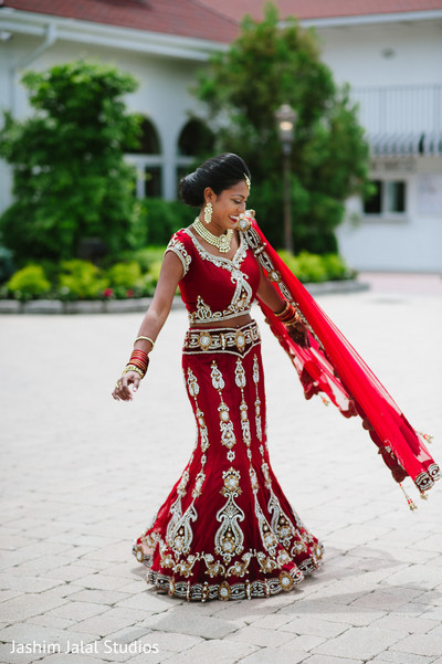 Bridal Portraits in New Rochelle, NY Hindu Fusion Wedding by Jashim Jalal Studios