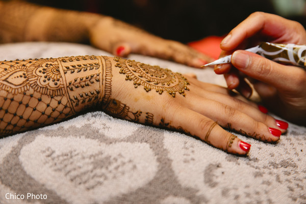 Mehndi Party List : All posts in mehndi artist maharani weddings