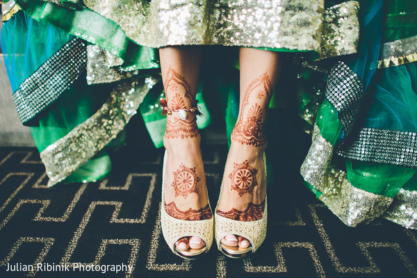 bridal mehndi,bridal henna,henna,mehndi,mehndi for indian bride,henna for indian bride,mehndi artist,henna artist,mehndi designs,henna designs,mehndi design,bridal mehndi for feet,mehndi on feet,mehndi designs for feet,bride getting ready,indian bride getting ready,getting ready images,getting ready photography,getting ready
