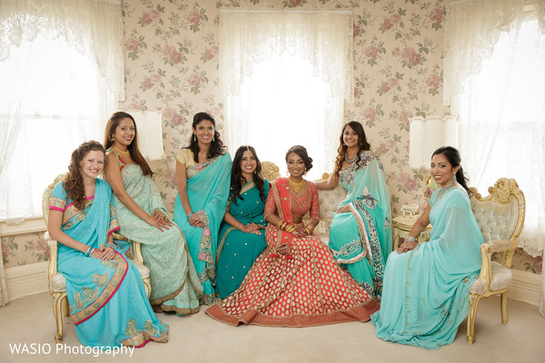 indian bridal party,indian wedding party,indian wedding party portraits,indian bridesmaids,indian bridesmaid outfits,indian sari