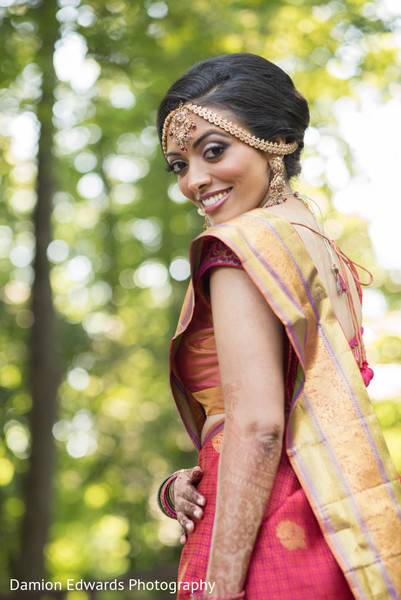 south indian bride hairstyles,indian bride,indian bridal fashions,indian bride photography,indian wedding photo,portraits of indian wedding