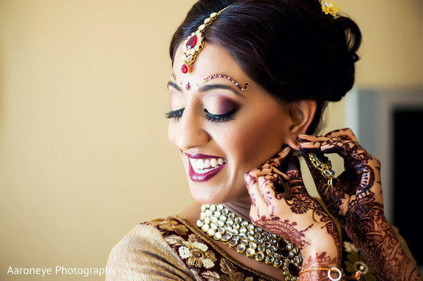 Getting Ready in Coronado, CA Indian Wedding by Aaroneye Photography