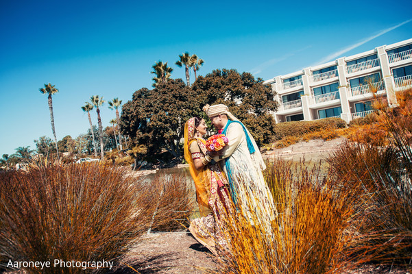First Look in Coronado, CA Indian Wedding by Aaroneye Photography