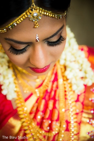 indian bride getting ready,indian bride makeup,indian wedding makeup,indian bridal hair and makeup