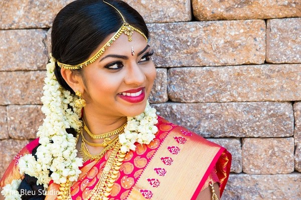 indian bride makeup,indian wedding makeup,indian bridal hair and makeup,portraits of indian wedding,indian bride,indian bridal fashions,indian bride photography,indian wedding photo,south indian bride hairstyles