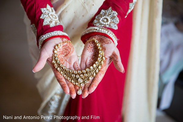 Bride Getting Ready in Spain Destination Indian Wedding by Nani de Perez Photography & Films