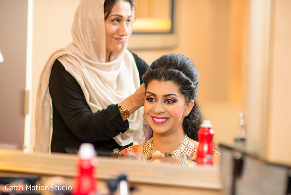 Getting Ready in Annapolis, MD Sikh Wedding by Catch Motion Studio