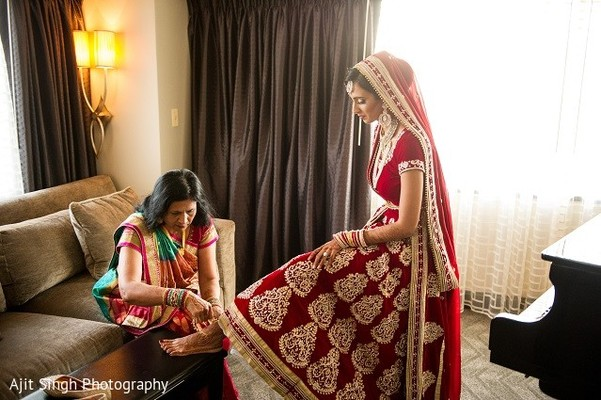 Getting Ready in Washington, D.C. Indian Wedding by Ajit Singh Photography