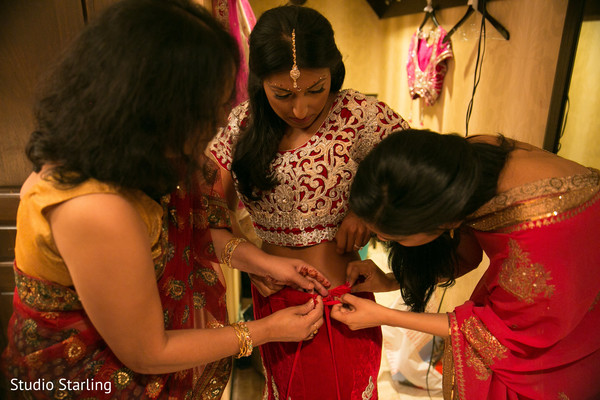 bride getting ready,indian bride getting ready,getting ready images,getting ready photography,getting ready,lengha choli,lengha cholis,bridal lengha choli,wedding lengha choli,bridal lehenga choli,wedding lehenga choli,lengha choli for indian bride