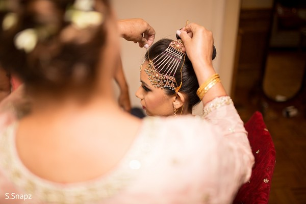 Getting Ready in North Haledon, NJ Pakistani Wedding by S.Snapz