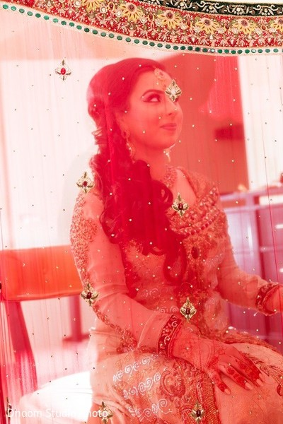Getting Ready in Iselin, NJ Pakistani Wedding by Dhoom Studio Photo & Video
