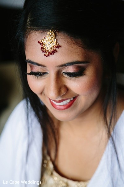 Getting Ready in Indianapolis, IN Indian Wedding by Le Cape Weddings
