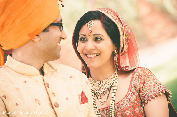 First Look in Lincolnshire, IL Indian Wedding by Modern Image Studios