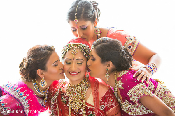 Getting Ready in Oakbrook Terrace, IL Indian Wedding by Rahul Rana Photography