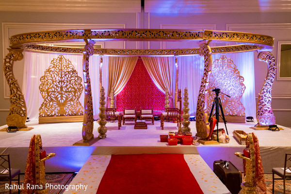 Mandap in Oakbrook Terrace, IL Indian Wedding by Rahul Rana Photography