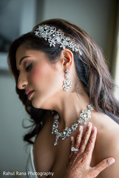 Bridal Jewelry in Oakbrook Terrace, IL Indian Wedding by Rahul Rana Photography